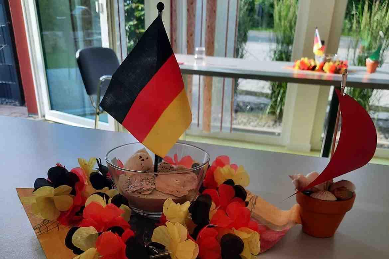 2021-06-25-Tagespflege Barbis im EM-Fieber1.jpg